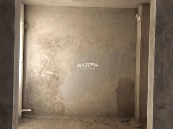锦绣华景 毛坯房 楼层好 小区环境清静
