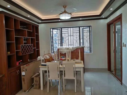 出售吴川第一城3室2厅1卫100平米72万住宅