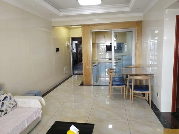 出租 万和城 两房 中楼层 家私家电齐全 拎包入住 随时方便