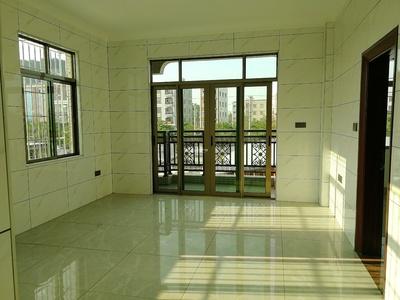 出租 碧海园 旁边两房 可配家私家电 拎包入住 看房方便