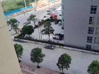出售海逸半岛3室2厅2卫106平米69万住宅