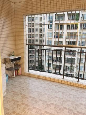 出售锦绣华景3室2厅2卫141平米88万住宅