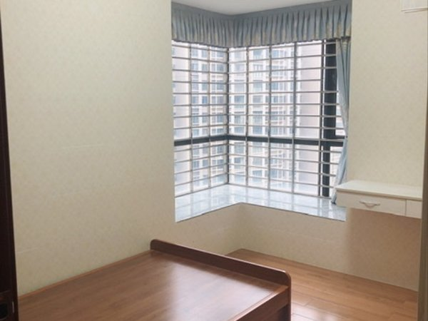 低价出租万和城4房,楼层靓,新净。
