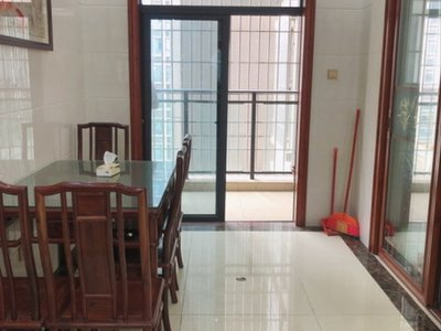 万和城125方中高层精装4房,价格便宜。