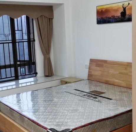 出租碧桂园中高层精装3房,全新家私家电齐全,月租2500。
