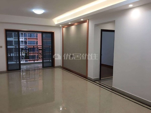 出租金沙全新3房,空房月租2300。