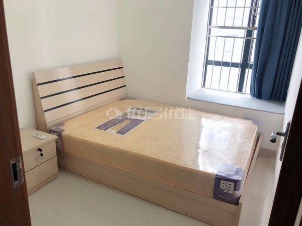 出租吴川第一城中高层江景2房,拎包入住。