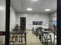 新二中学校附近餐饮街70平米2000元/月商铺