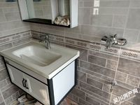 出售其他小区3室2厅2卫113.3平米70万住宅