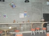 第四中学行上100米,转让18平米内有餐饮,奶茶设置一套。面议商铺