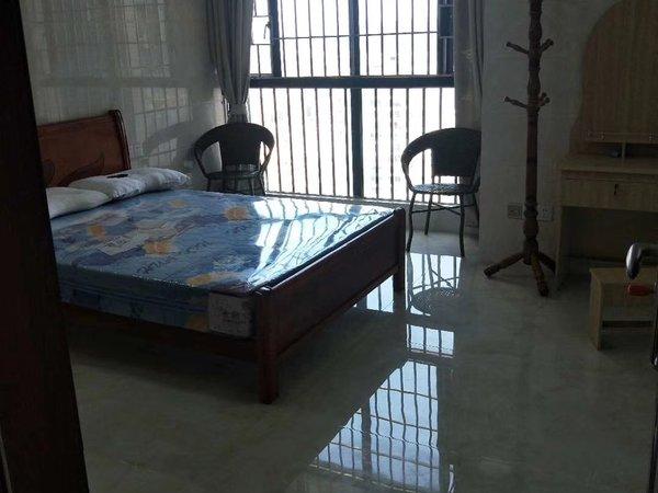 出租拎包入住鸿涛 金第华府解放路3室2厅2卫133平米2200元/月住宅