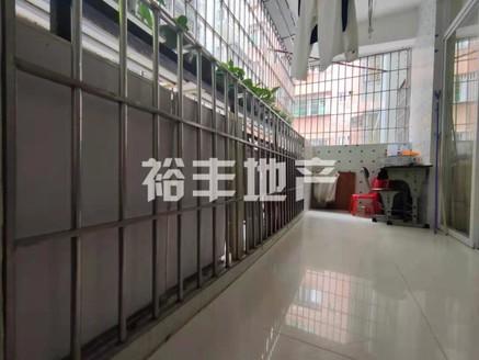 出售 YF 新华学位低层4房