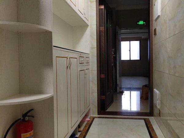 出租海岸 万和城3室1厅2卫89平米2300元/月住宅