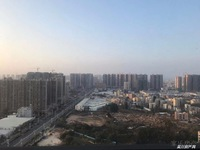 金沙广场 华府高档花园小区,精装3房,高层看景一流,空气环境好,售78万